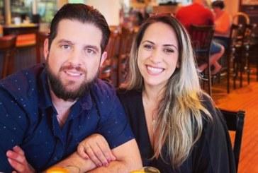 Brasileiro morre e namorada fica ferida em acidente de moto