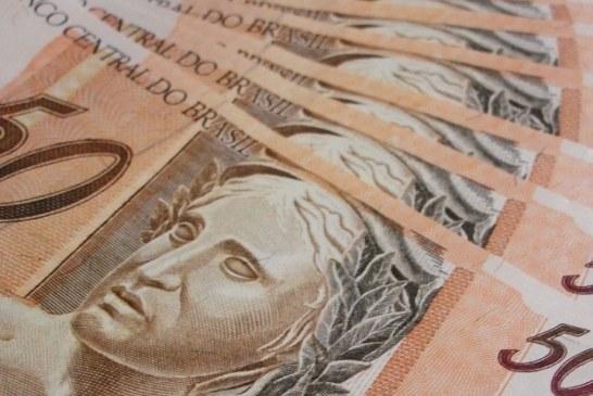 Brasileiros indocumentados no exterior dão golpe para receber ajuda de R$ 600
