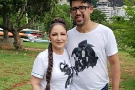 Gloria Estefan e Louri Rodrigues 274x183 Home page