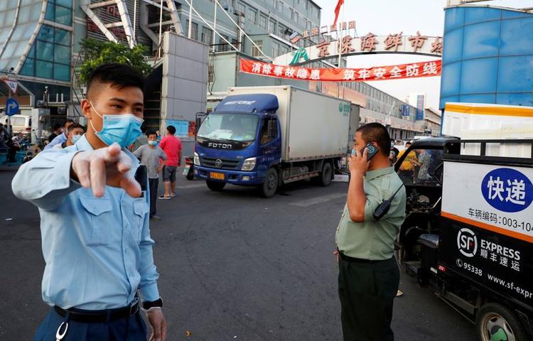 Novo surto de coronavírus em Pequim alerta o resto do mundo