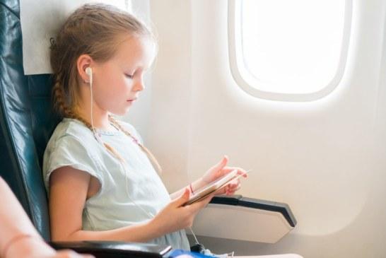 Autorização de viagem para menores desacompanhados poderá ser eletrônica